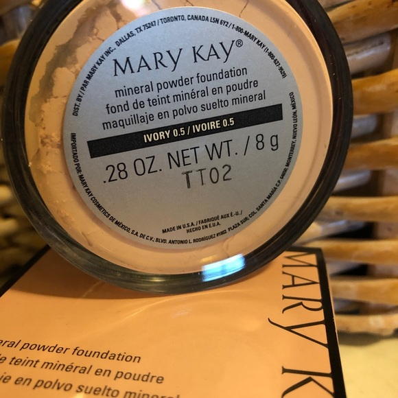 Mary Kay Other - Mineral loose powder foundation